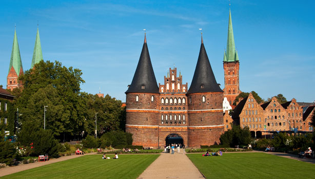 luebeck-holstentor